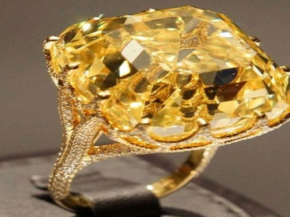 Investing in yellow diamonds